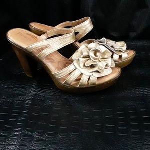 Born Gold Leather  Platform  Sandals NWOB
